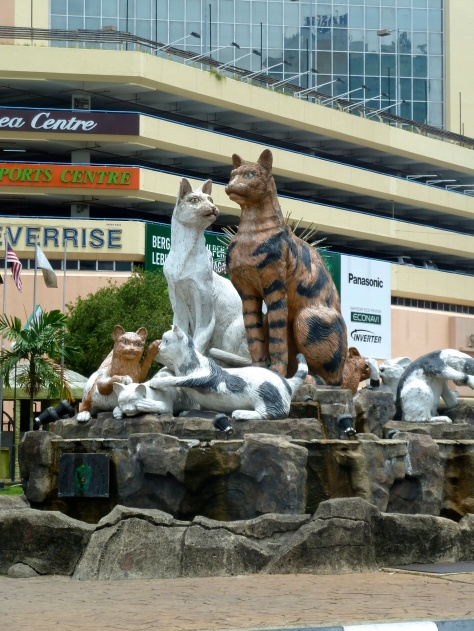 Cat statue in the center of Kuching